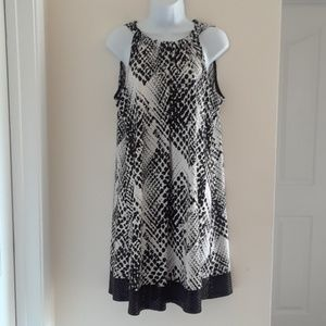 MSK 14 SLEEVELESS BLACK WHITE SEQUINED DRESS